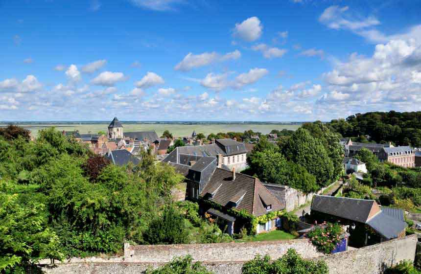 A stroll around the quaint old streets of Saint-Valery-sur-Somme in Northern France