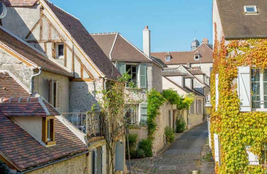 Senlis medieval town centre