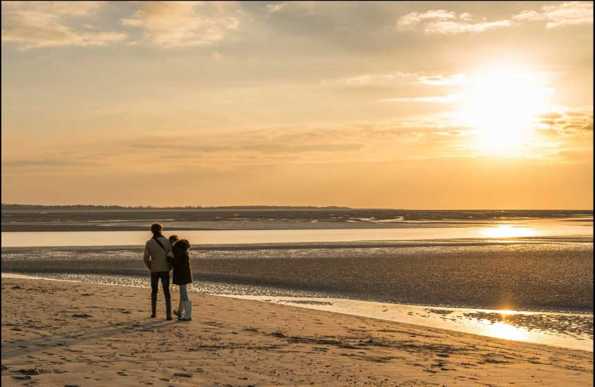 Sunsets on Wissant beach make for memorable moments on your romantic weekend break in Northern France