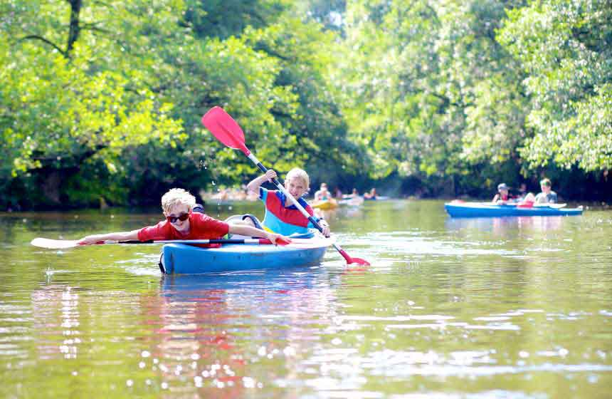 Fun for all the family on a canoeing session nearby