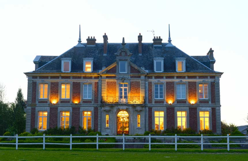 Domaine de Vadancourt - Castle by night - Maissemy