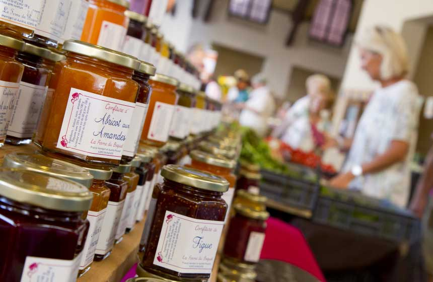Local stores brim with Northern France's local specialities ‒ be sure to take a few treats back home!