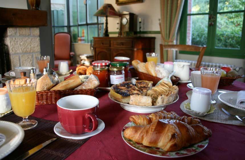 Guesthouse La Chaise Verte - A delicious breakfast - La Houssoye