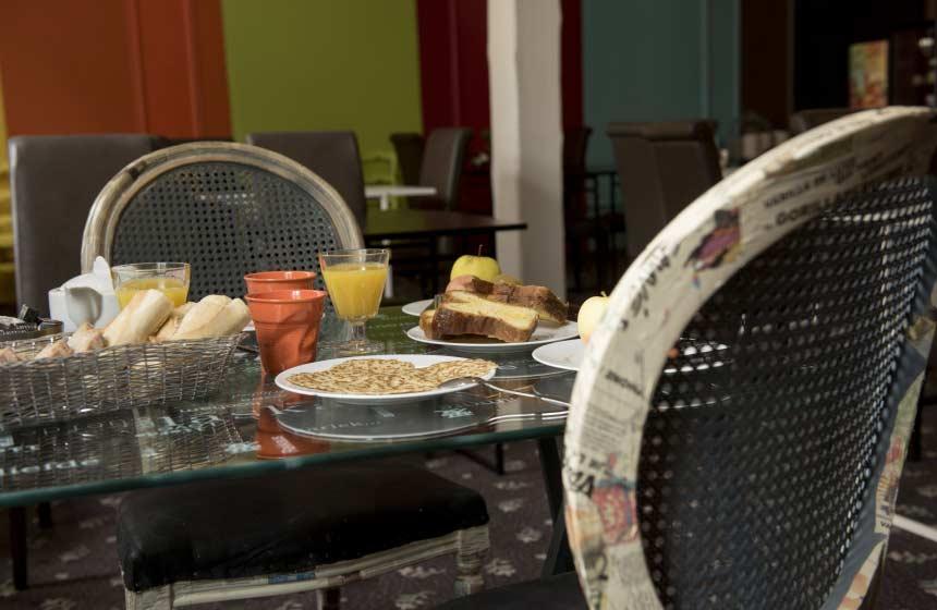 Hotel Le Prieuré - Breakfast - Amiens