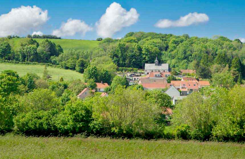 Your rural retreat is in a privileged location slightly inland from Le Touquet and Boulogne sur Mer in Northern France