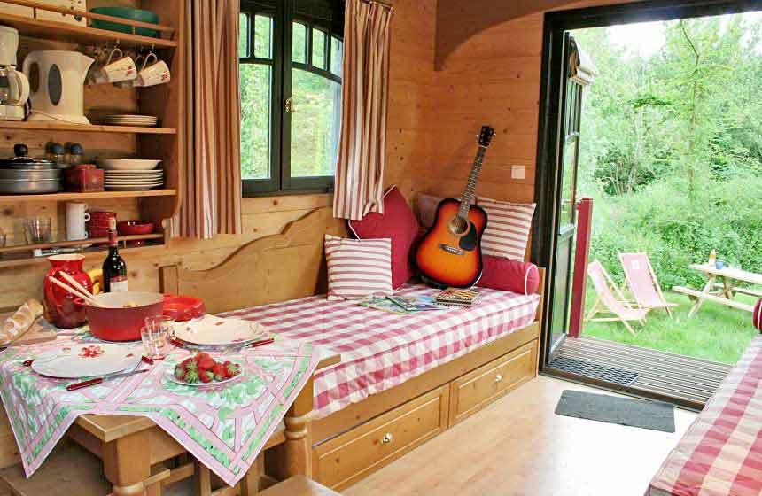 La Maison de l'Omignon - Traditional french gypsy caravan - Vermand