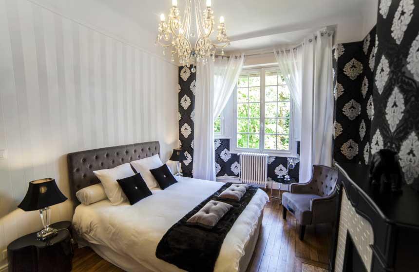Fresnoy-en-Gohelle chateau, Privilege suite, Northern France