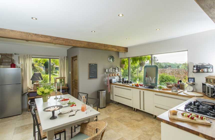 The contemporary kitchen at Le Clos de Marenla, your romantic rural retreat in Northern France
