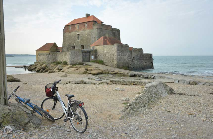 Ambleteuse fort, right on the Opal Coast shore