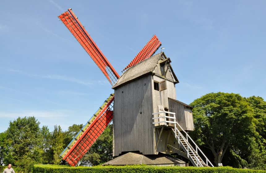 The Northern France landscape is dotted with Flemish windmills like this one in Cassel, 25 minutes from Manoir-du-Bolgaro gite