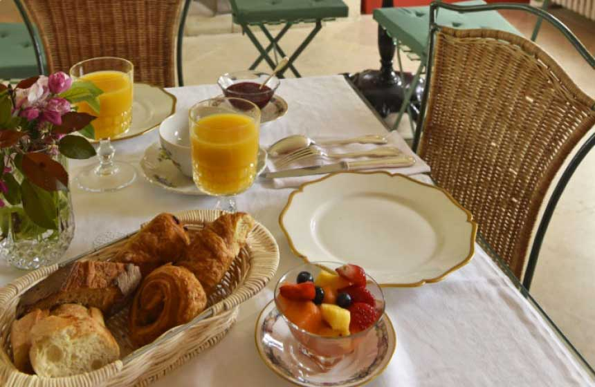 Breakfast at the Château Le Quesnoy