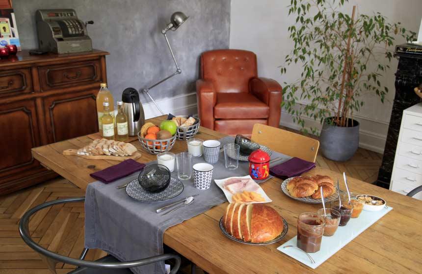 Home-made breakfast at Monts et Merveilles B&B