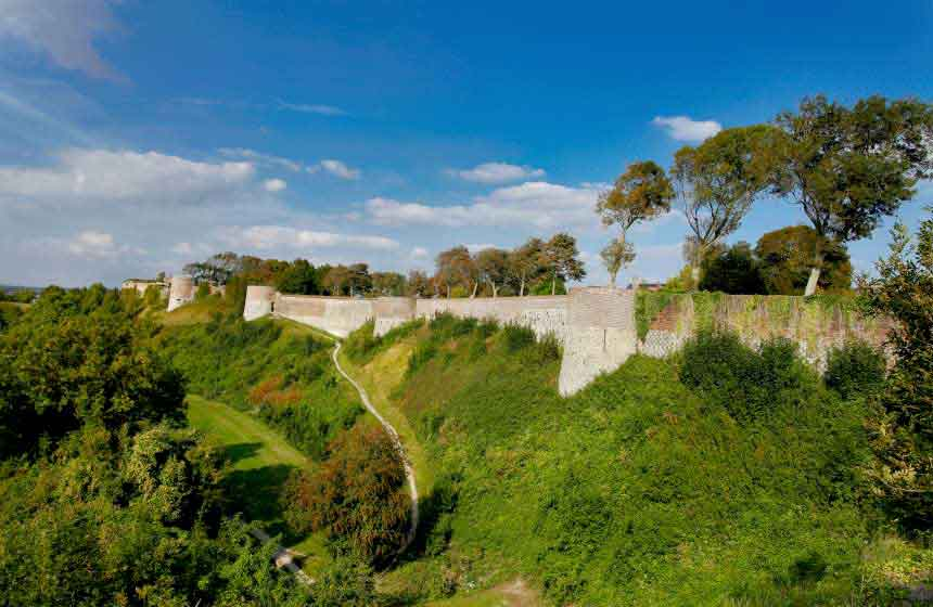 On your French gite holiday at Villa des Groseilliers, be sure to visit the ramparts and cobbled streets of Montreuil-sur-Mer just 15 minutes' drive away