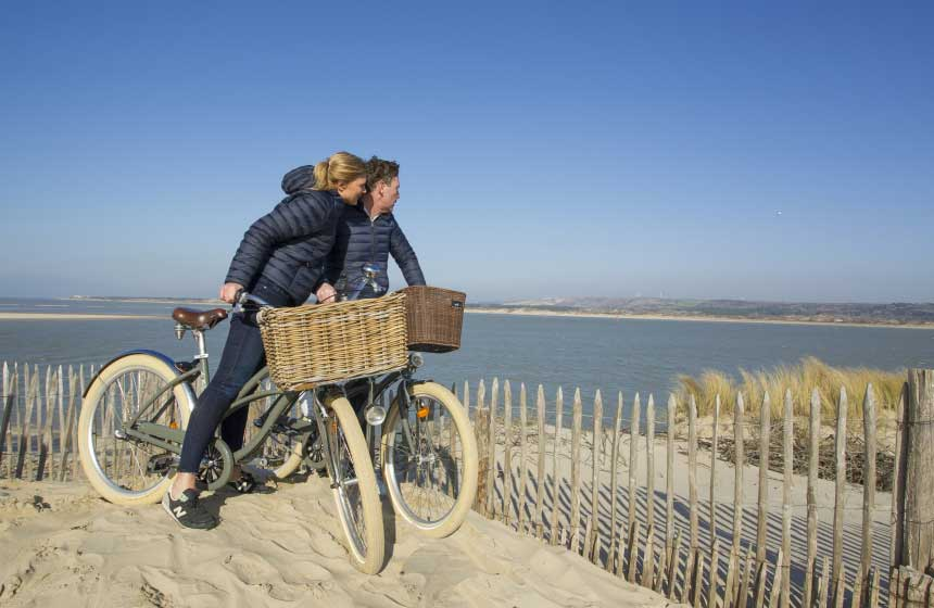 Why not hire bikes to discover the Northern France landscapes and seascapes? E-bikes available too!