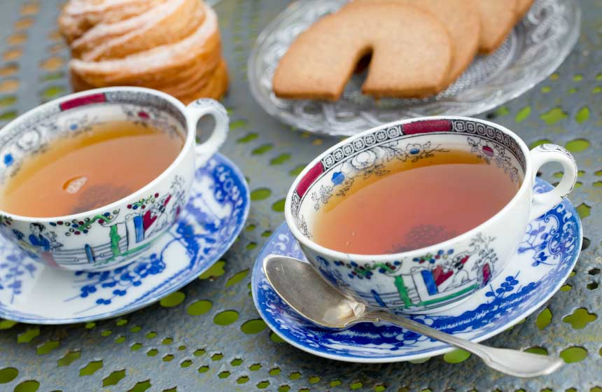 Or stop for an afternoon-tea break at the 'Jardin des Ifs' (yew tree gardens) in Gerberoy