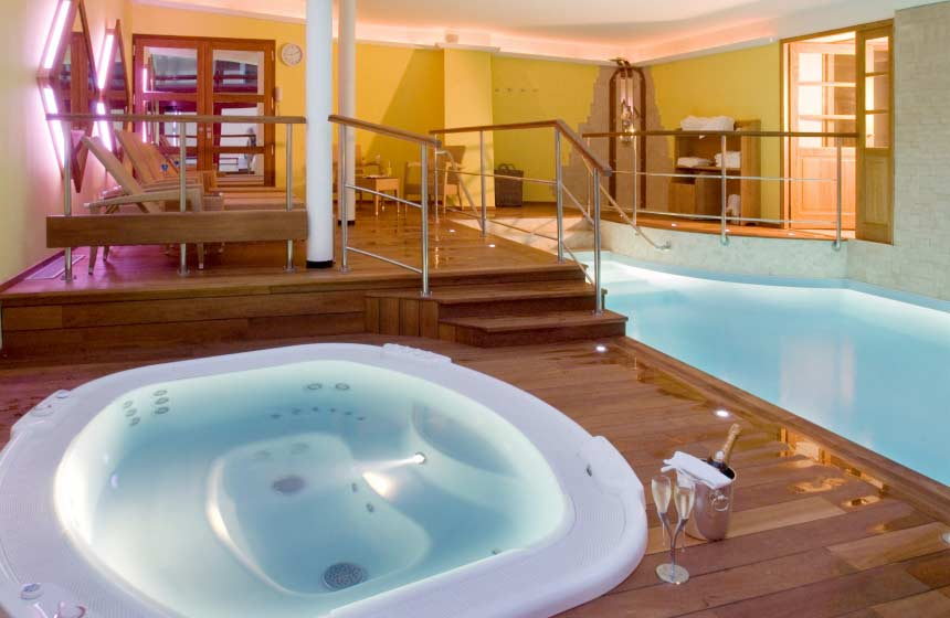 Romantic break in Boulogne sur Mer, La Matelote spa in Northern France
