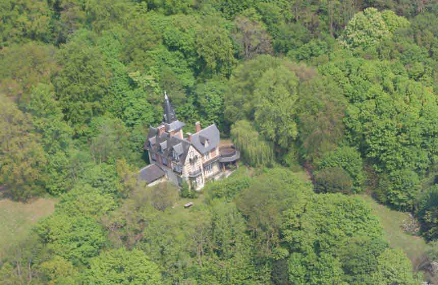 A bird's eye view of Villa du Châtelet bed and breakfast, Northern France