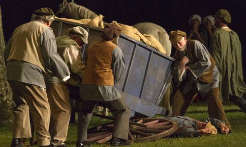 """The open-air son-et-lumière show """"Les Misérables"""" in Montreuil-sur-Mer - Visit France"""