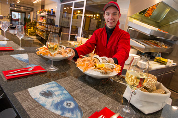 Sample fresh seafood at la Poissonnerie