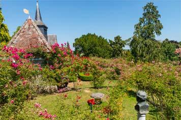 The rose festival in Gerberoy - French Weekend Breaks